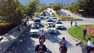 Sünnet düğününde Türklük ve Yörüklük kültürlerini doyasıya yaşattılar