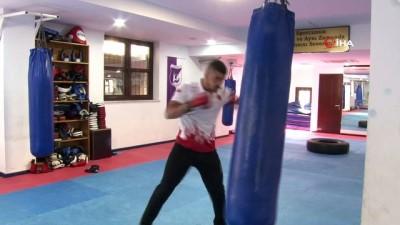 gumus madalya - Askerden geldi, Uluslararası Kick-Boks Şampiyonası'nda iki gümüş madalya aldı