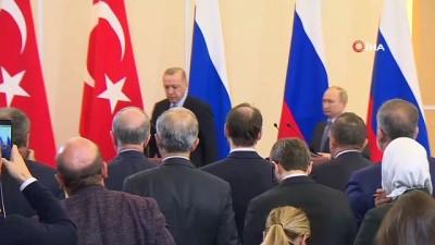 - Dışişleri Bakanı Çavuşoğlu Türkiye-Rusya arasında imzalanan Mutabakat Muhtırası'nı okudu