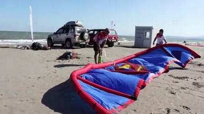 Karadeniz'de uçurtma sörfü keyfi - SAMSUN
