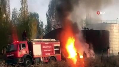 Asfalt zift depolama silosunda çıkan yangın korkuttu
