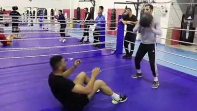 Milli boksörlerden Mehmetçik'e asker selamıyla destek - KASTAMONU