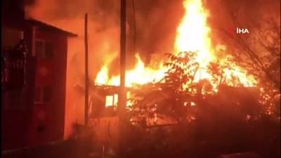 2 katlı ev alev alev yanarak küle döndü