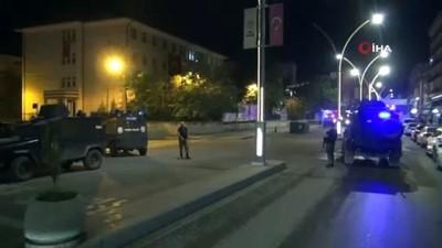 Cizre'de şüpheli paket fünye ile patlatıldı