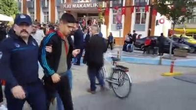 Cumhuriyet Bayramı kutlamalarında lise öğrencisi baygınlık geçirdi