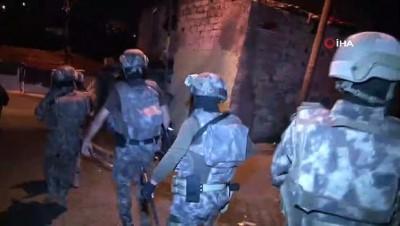 harekat polisi -  Gaziosmanpaşa'da çok sayıda adrese eş zamanlı uyuşturucu operasyon