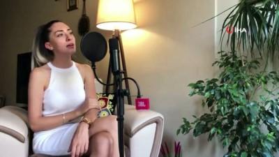 Fizyoterapistten kadına şiddete karşı şarkılı mesaj