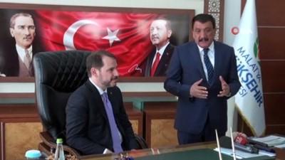 Bakan Albayrak'tan AK Parti'ye ziyaret