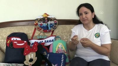 Oğlunun tedavisi için evinde hediyelik eşya yapıp satıyor - BALIKESİR