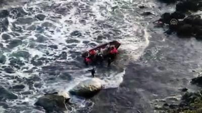 (TEKRAR) Kayalıklarda mahsur kalan balıkçılar kurtarıldı - KIRKLARELİ