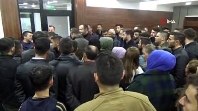 Ülkü Ocakları üyelerinden CHP'li meclis üyesine protesto