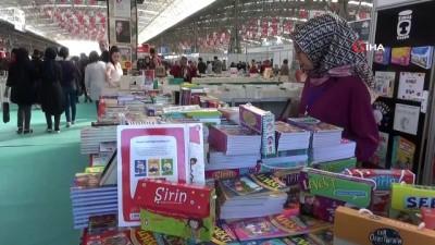 kitap okuma -  Aksaray Belediyesi 'Herkes Okusun' sloganıyla kitap fuarı açtı