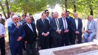 Eski Siirt Belediye Başkanı Bağış mezarı başında anıldı - SİİRT
