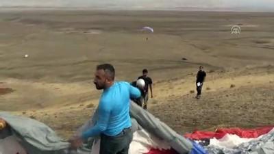 'Türkiye'nin Çatısı'nda yamaç paraşütü eğitimi - IĞDIR