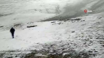 Trabzon ve Gümüşhane'nin yüksek kesimleri beyaza büründü