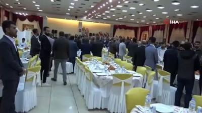Ebru Yaşar halaya çıktı, dolarlar havada uçuştu