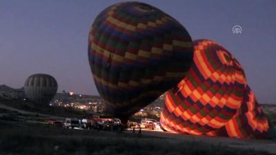 Kapadokya'da balonlar Atatürk afişleri ve bayraklarla uçtu - NEVŞEHİR