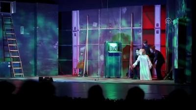Anadolu Üniversitesi Uluslararası Tiyatro Festivali sona erdi - ESKİŞEHİR