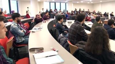 Üniversiteliler interneti 'yalnız' oldukları için kullanıyor - KONYA