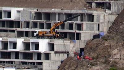 Bodrum'daki imara aykırı yapıların yıkımı sürüyor - MUĞLA