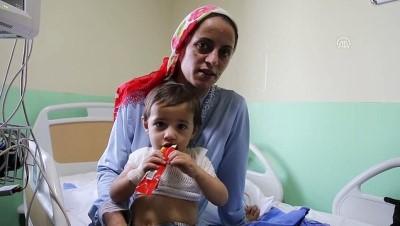 Çaydanlıktaki kaynar su üzerine dökülen çocuk yaralandı - ERZURUM