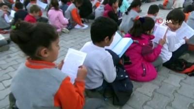 Yüksekova'da kitap okuma etkinliği düzenlendi
