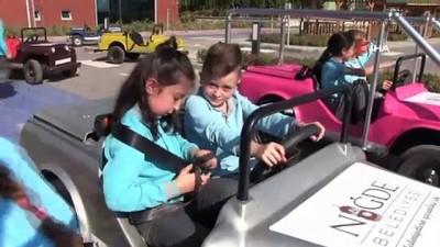 Öğrenciler trafik eğitimini Niğde Belediyesi trafik pistinde öğreniyorlar