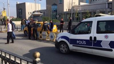 Pendik'te taksici, aracına binen yolcu tarafından silahla yaralandı - İSTANBUL