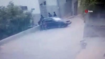 Siirt'te yokuşu çıkamayan araç 3 kişiye böyle çarptı