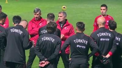 (TEKRAR) A Milli Futbol Takımı, İzlanda maçı hazırlıklarını tamamladı - İSTANBUL