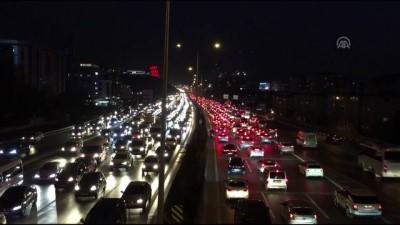 Trafikte 'ara tatil' yoğunluğu - İSTANBUL
