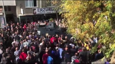 3 kişinin katil zanlısı zırhlı araçla karakola götürüldü - İSTANBUL