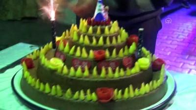Düğünde pasta yerine çiğ köfte kestiler - MUĞLA