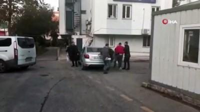 Esenler'de ambulanstan tıbbi malzeme çalan şahıs yakalandı