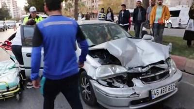 Kahramanmaraş'ta iki farklı trafik kazasında 7 kişi yaralandı