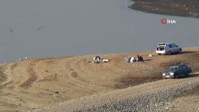 Avlanmanın yasak olduğu Tahtaköprü Baraj Gölü'nde sadece olta balıkçılığı serbest