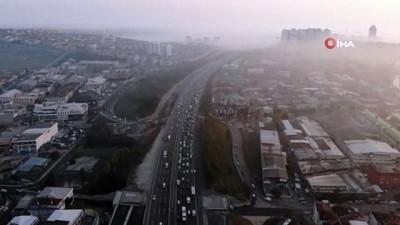 İstanbul'un birçok yerinde etkili olan sis manzaraları havadan görüntülendi