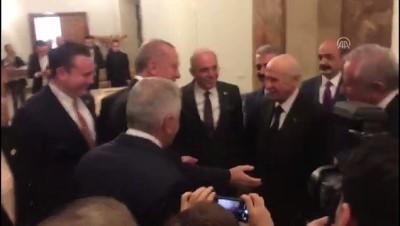 Cumhurbaşkanı Erdoğan, kuliste MHP Genel Başkanı Bahçeli ile bir araya geldi (2) - TBMM Haberi