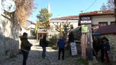 hayat agaci -  Açık hava müzesini andıran Yörük köyü binlerce turiste ev sahipliği yapıyor