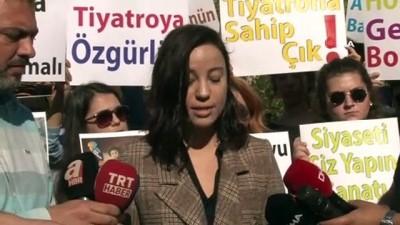 Antalya'da işten çıkartılan tiyatroculardan eylem