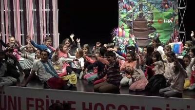 Çocuklar 'Mavi Kalplere Dokun' etkinliğinde haklarını öğrendiler