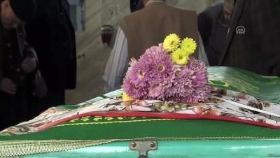 Eşi tarafından vurulduğu iddia edilen kadının cenazesi toprağa verildi - MANİSA