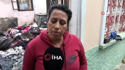 Evleri yanınca 15 kedi ve 2 köpeğiyle birlikte evsiz kaldı