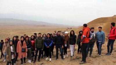 Öğretmenler Günü'nü Kızıldağ'ın zirvesinde kutladılar - IĞDIR