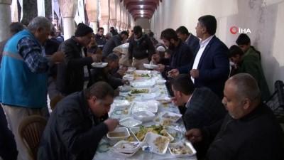 sabah namazi -  Şanlıurfa'da kış aylarının vazgeçilmez kahvaltısı 'Tirit'