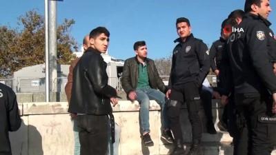 Taksim'de alkollü şahıs ortalığı birbirine kattı