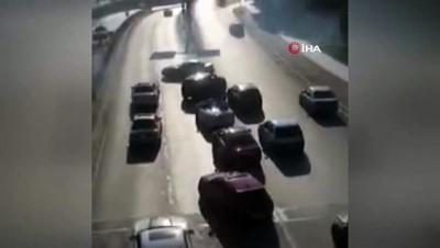 Trafik magandaları yolu kapatıp drift attı