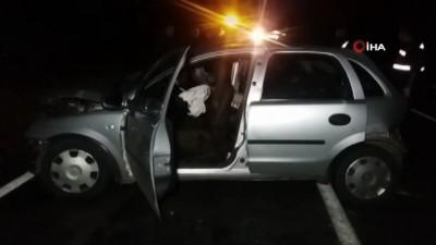 Traktör römorkuna çarparak savrulan otomobil hafif ticari araca çarptı: 1 ölü, 6 yaralı