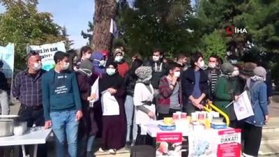 Vali ve belediye başkanı maske taktı, LÖSEV'e destek oldu