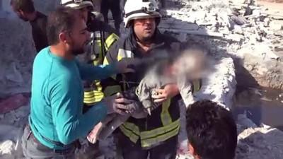 İdlib'e hava saldırıları: 8 ölü